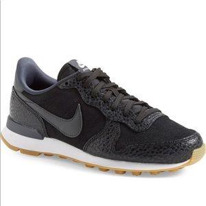 """Nike """"Internationalist"""" sneaker"""